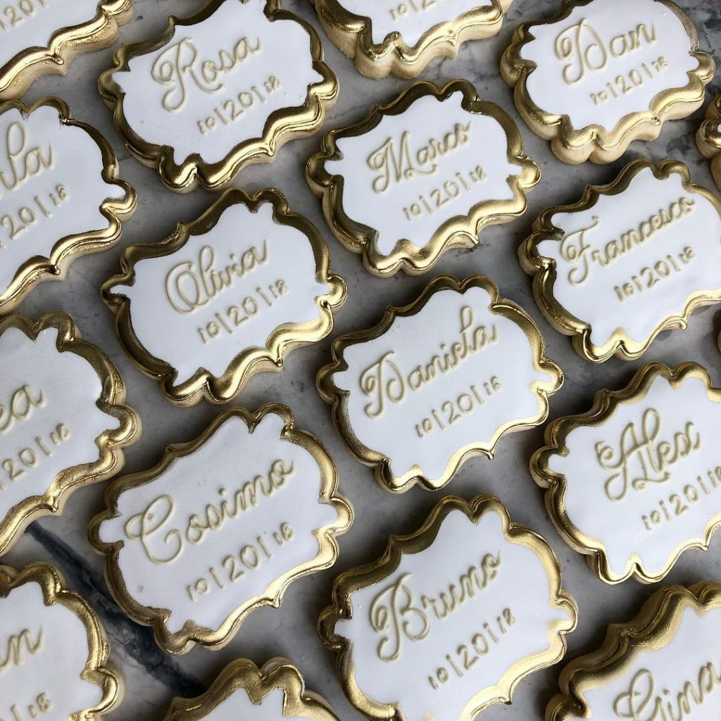 wedding favor placecard sugar cookies by little rose cookie